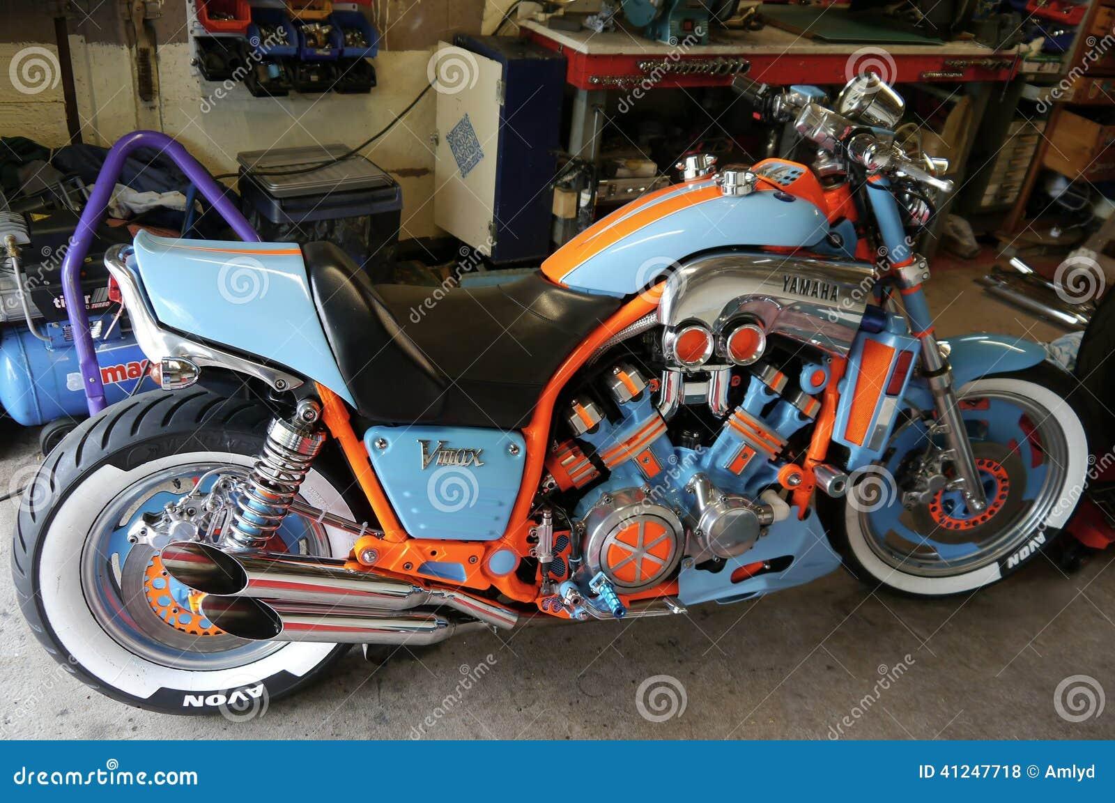 Moto Modificada Para Requisitos Particulares De Yamaha En