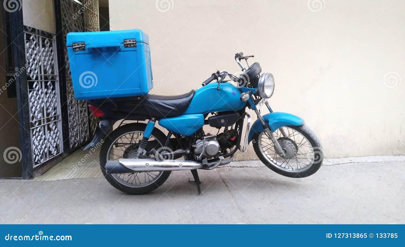 Moto pour la livraison de nourriture