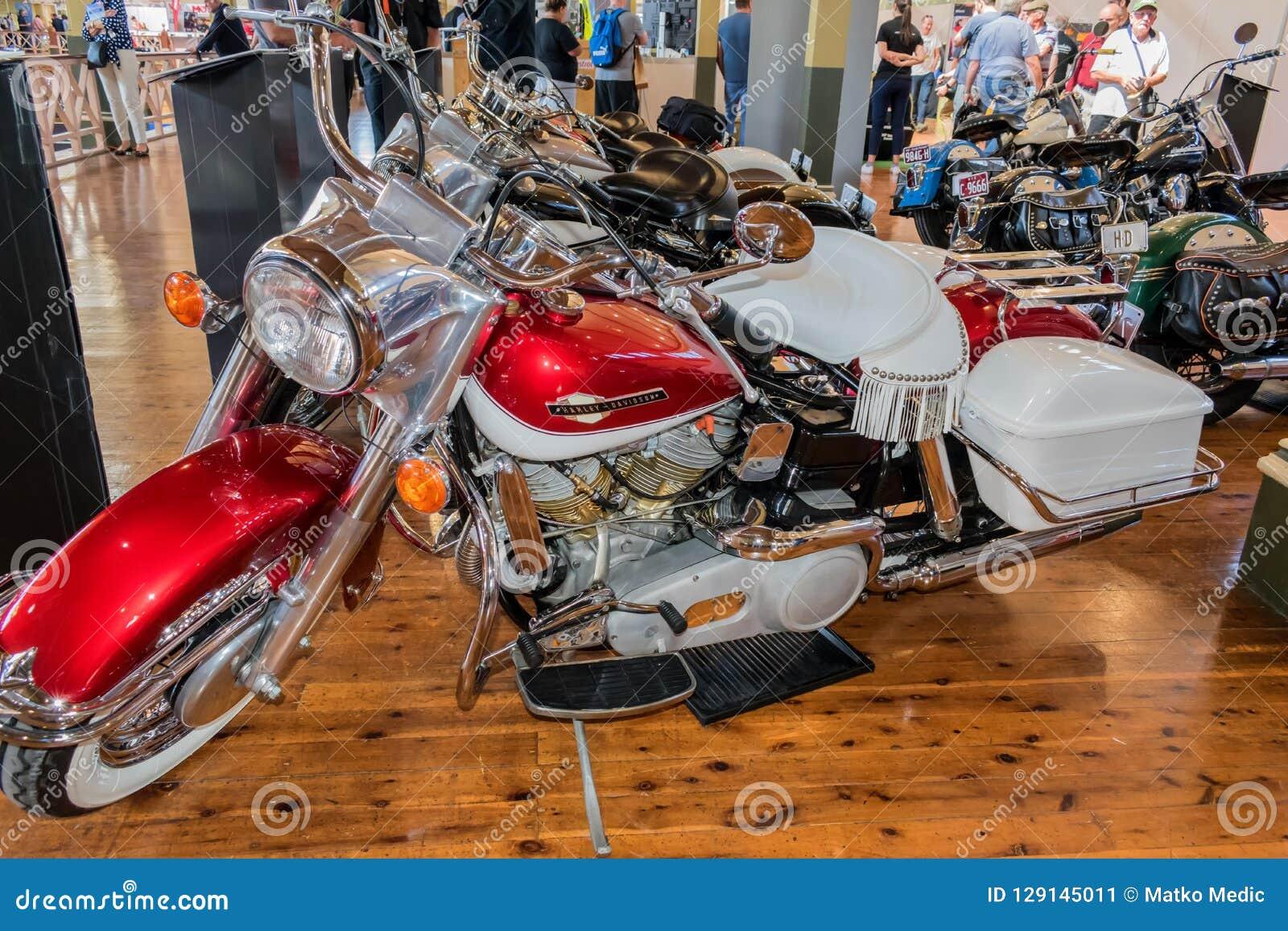 Motocicleta 1965 del deslizamiento de Harley Davidson FLH Electra en Motorclassic