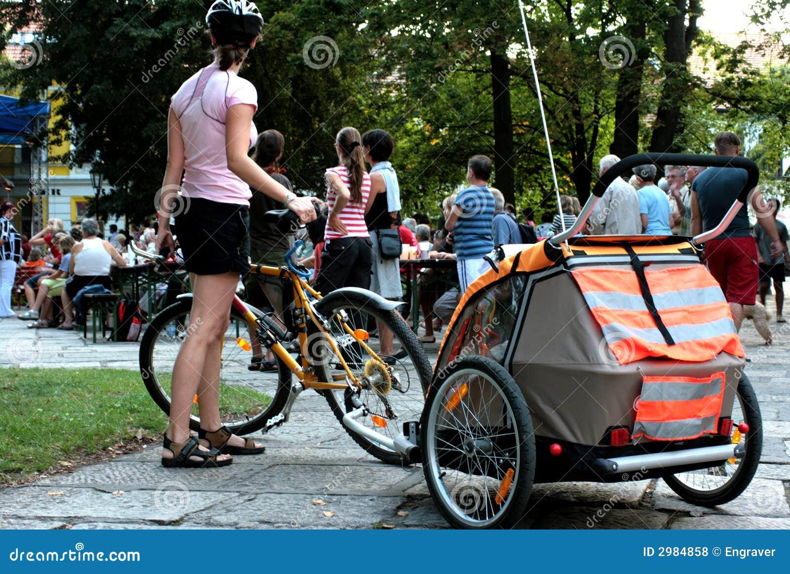 Motociclista-famílias