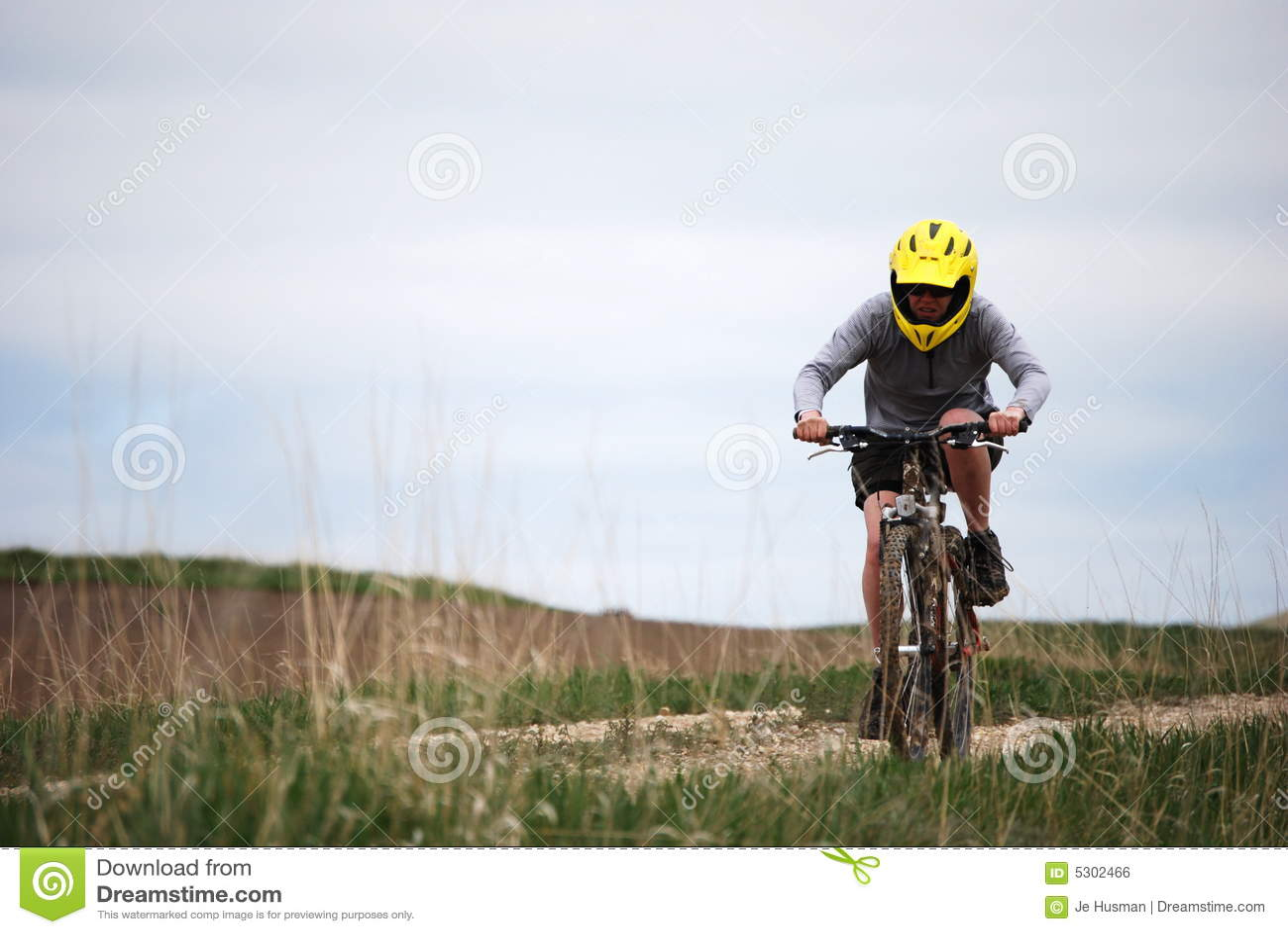 Download Motociclista Fangoso Della Montagna Fotografia Stock - Immagine di splattered, sport: 5302466
