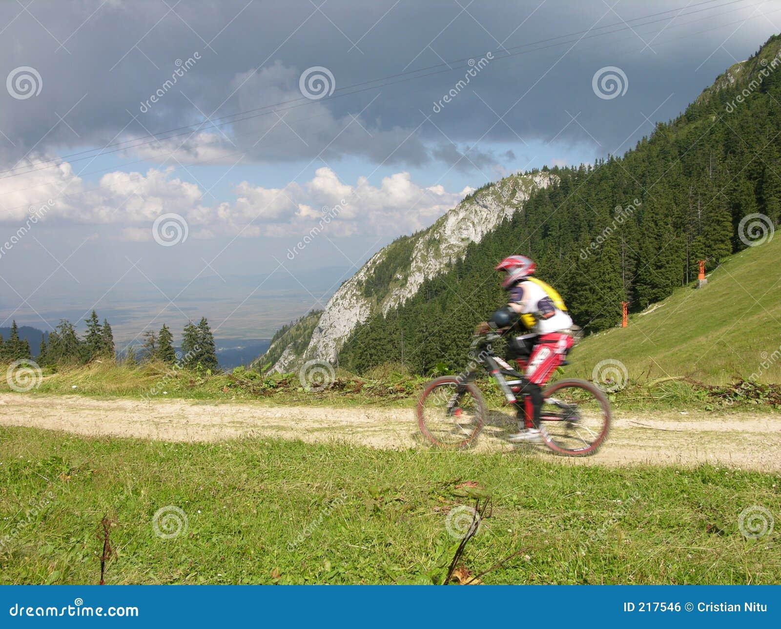 Motociclista nel movimento