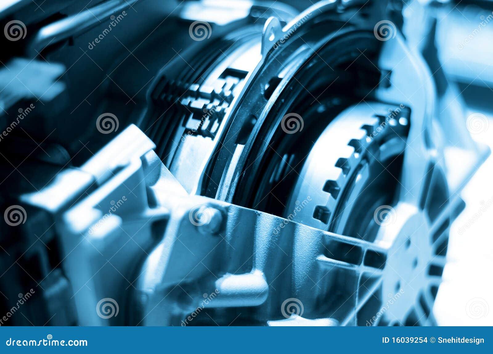 Motor automotor