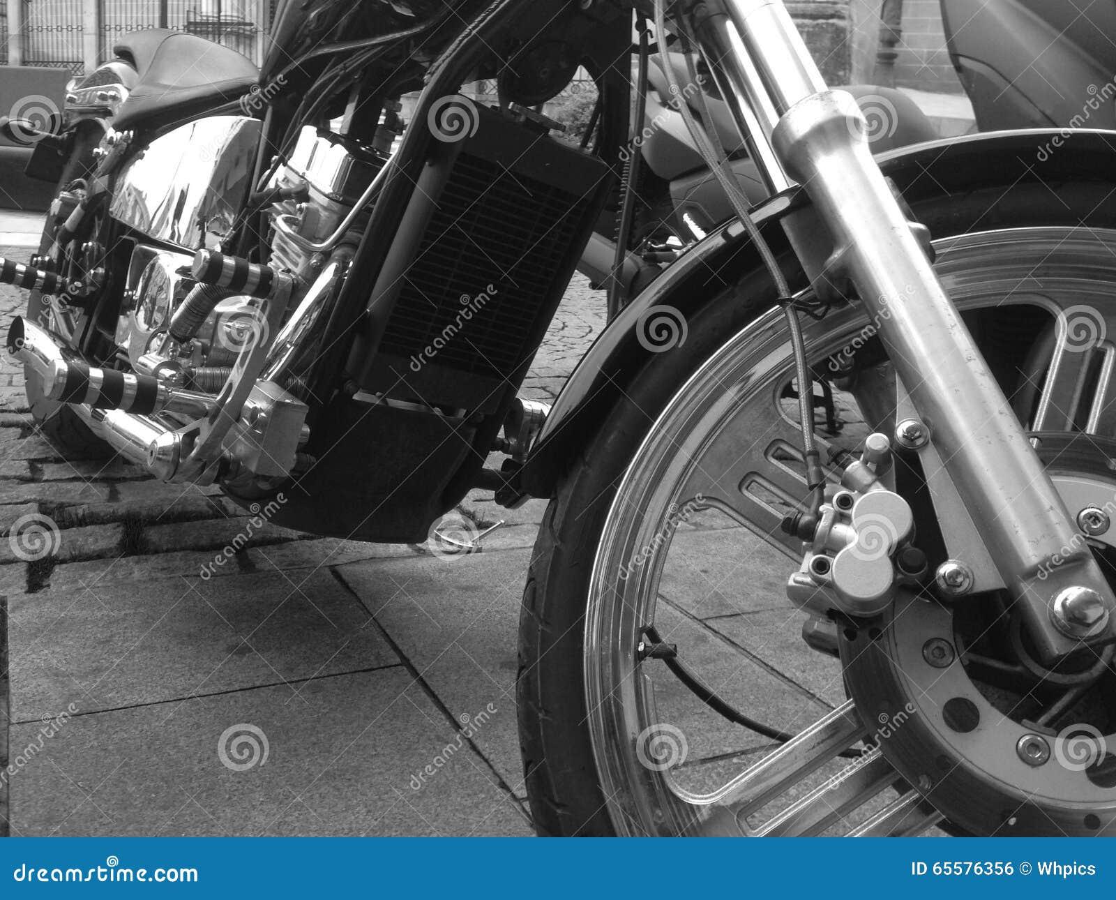 Motor brilhante da motocicleta do chooper