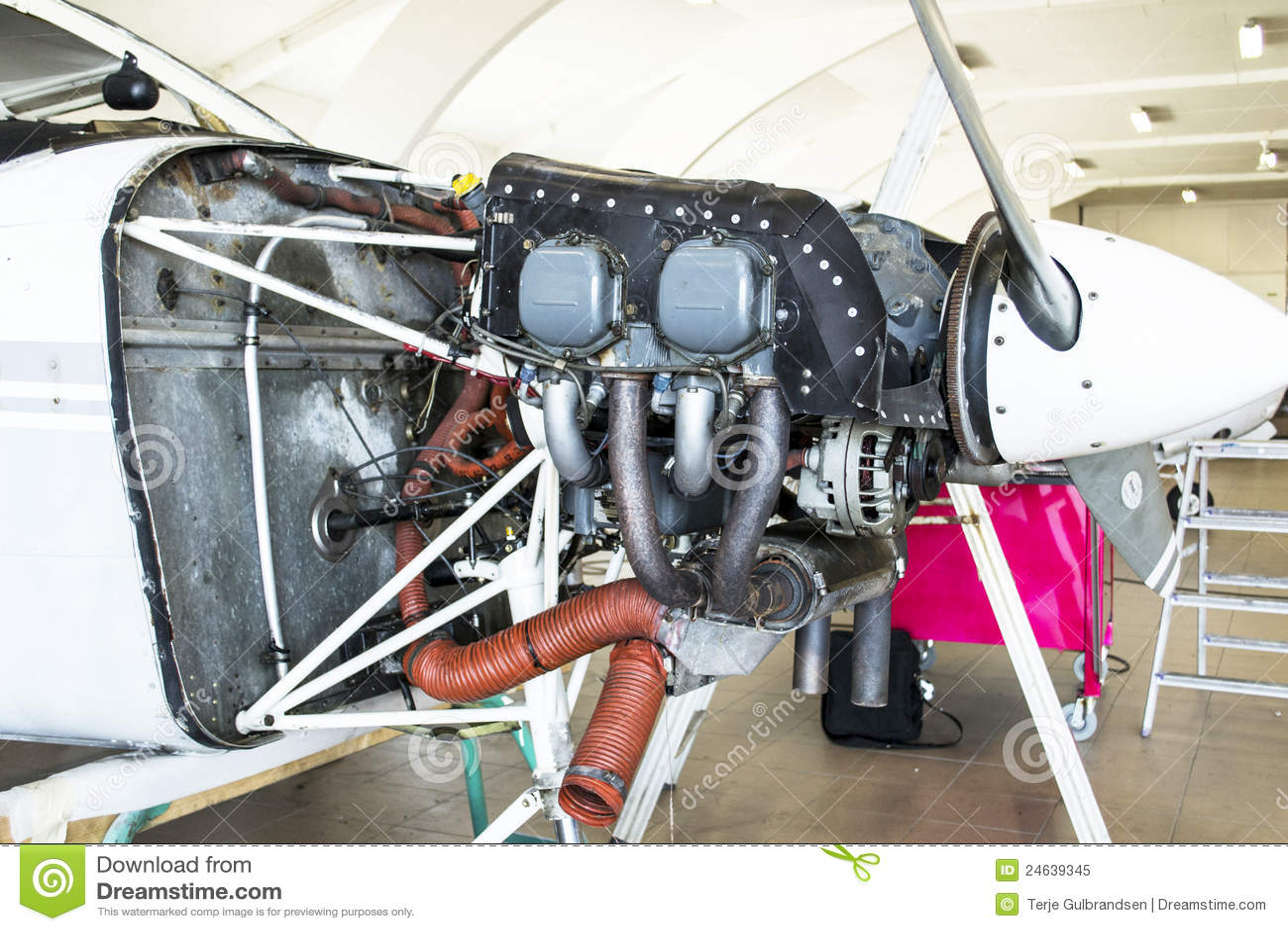 Motor De Cessna 152 Foto De Stock Royalty Free Imagem