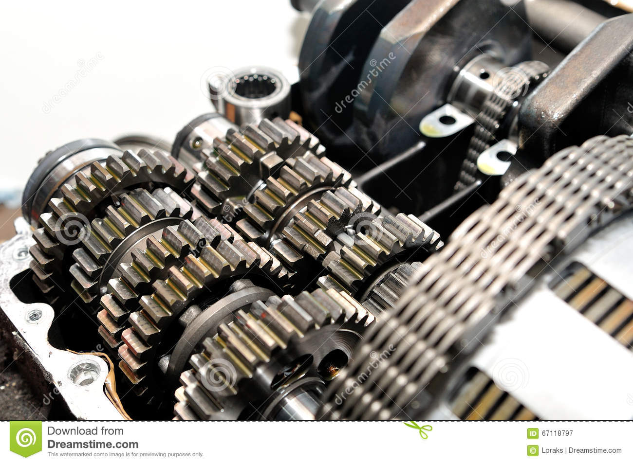 Motorcycle gearbox with clutch in front.