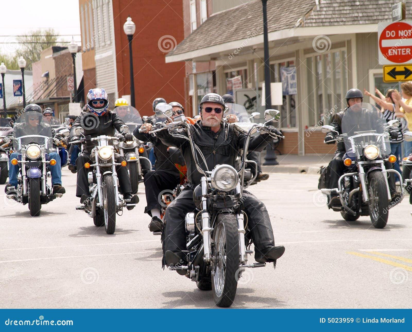 Motorcykeln ståtar