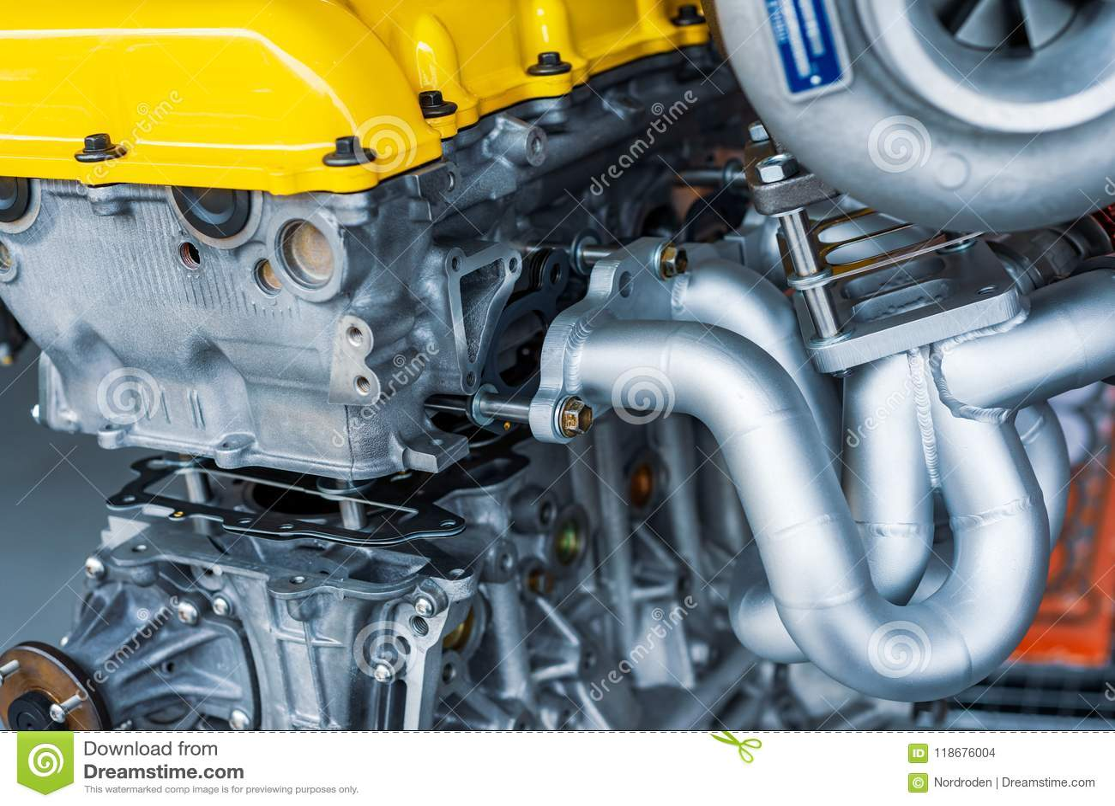 Motore a combustione interna automobilistico