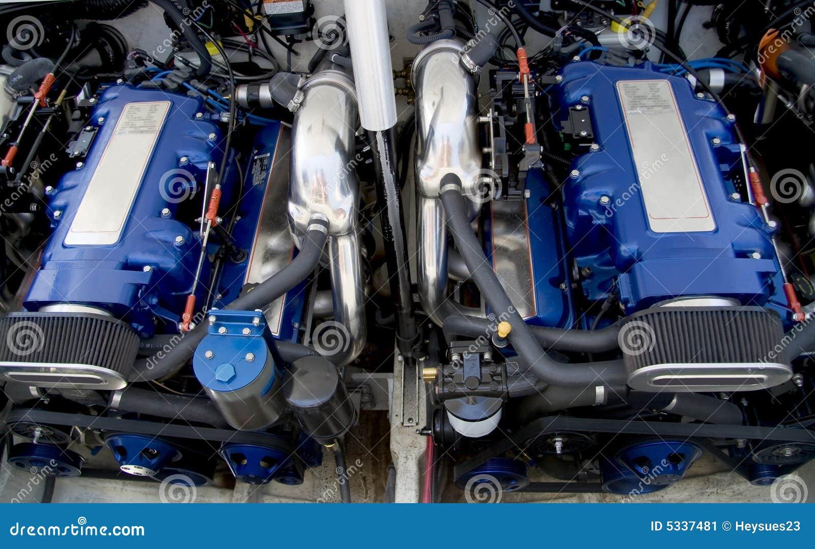 Motores del barco de la velocidad