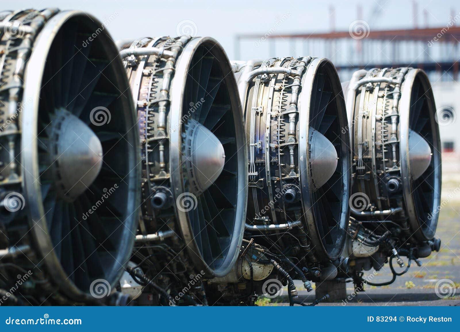 Motores del lancero B-1