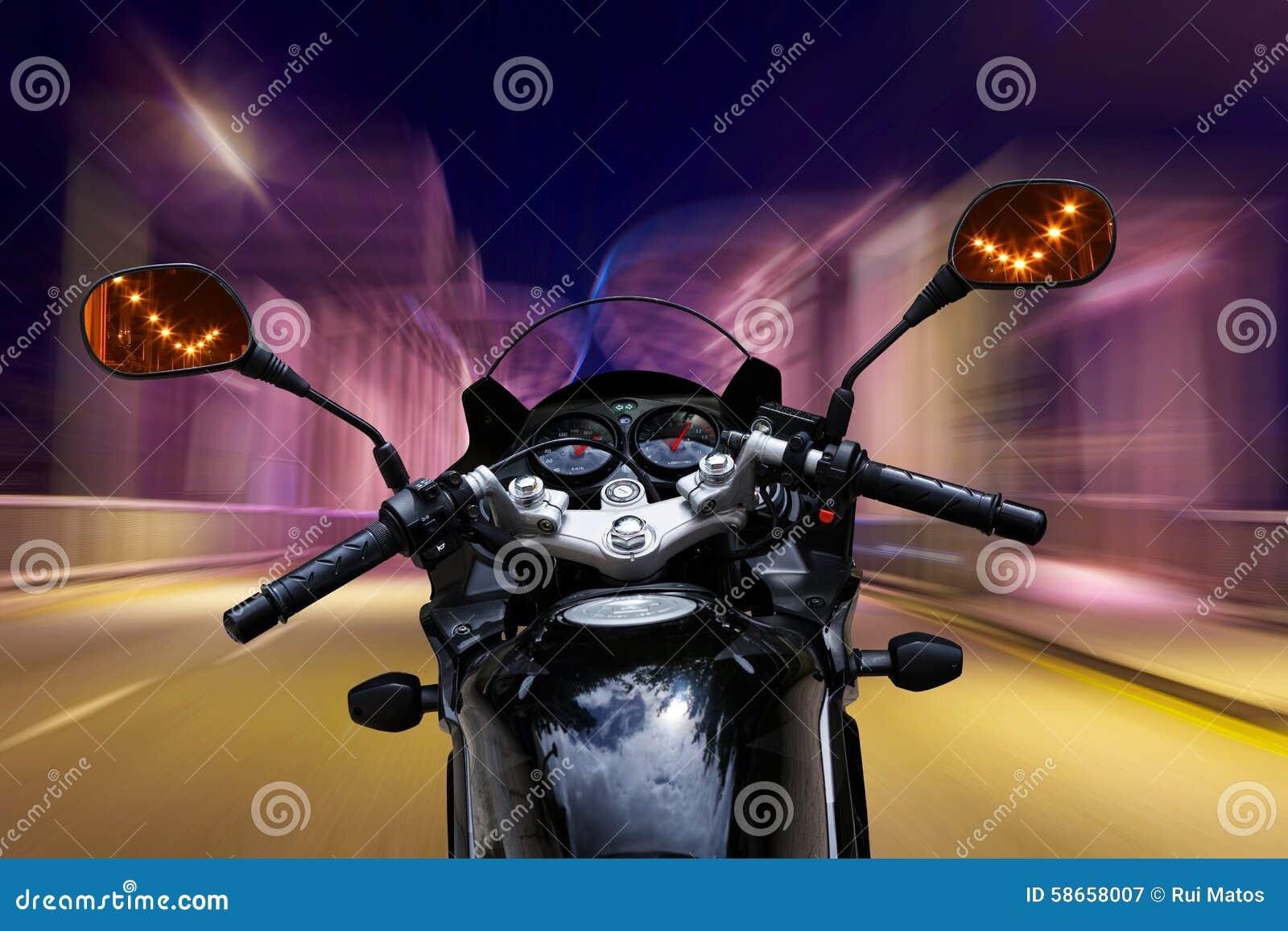 Motorfiets het verzenden bij nacht