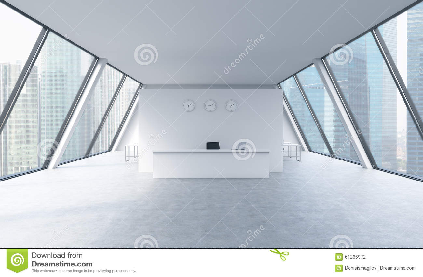 Mottagandeområde med klockor och arbetsplatser i ett ljust modernt öppet utrymmevindkontor