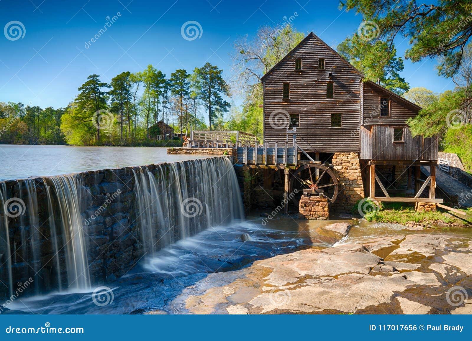 Moulin à eau historique de Yates