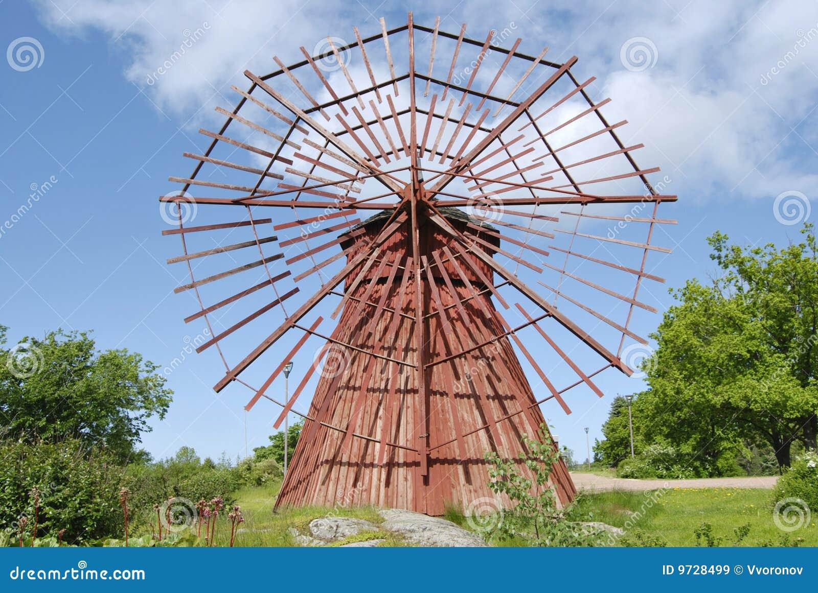 Moulin vent en bois rouge images libres de droits for Bricolage moulin a vent en bois