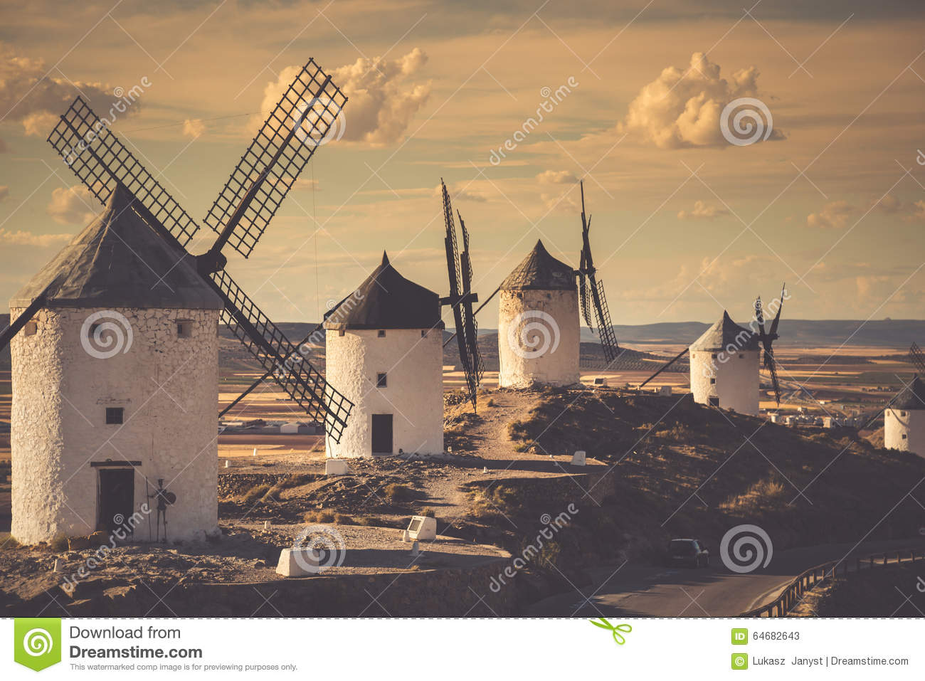 moulins vent de don don quichotte cosuegra espagne image stock image du pouvoir nuage. Black Bedroom Furniture Sets. Home Design Ideas
