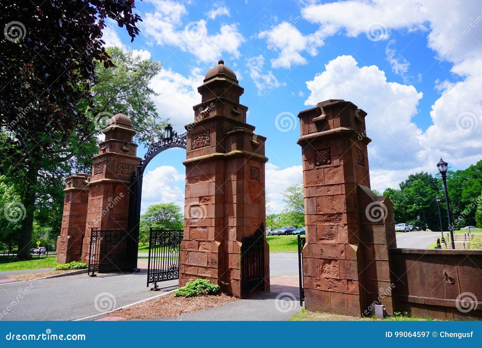 Mt Holyoke College Campus Gate Stock Image Image Of Consortium