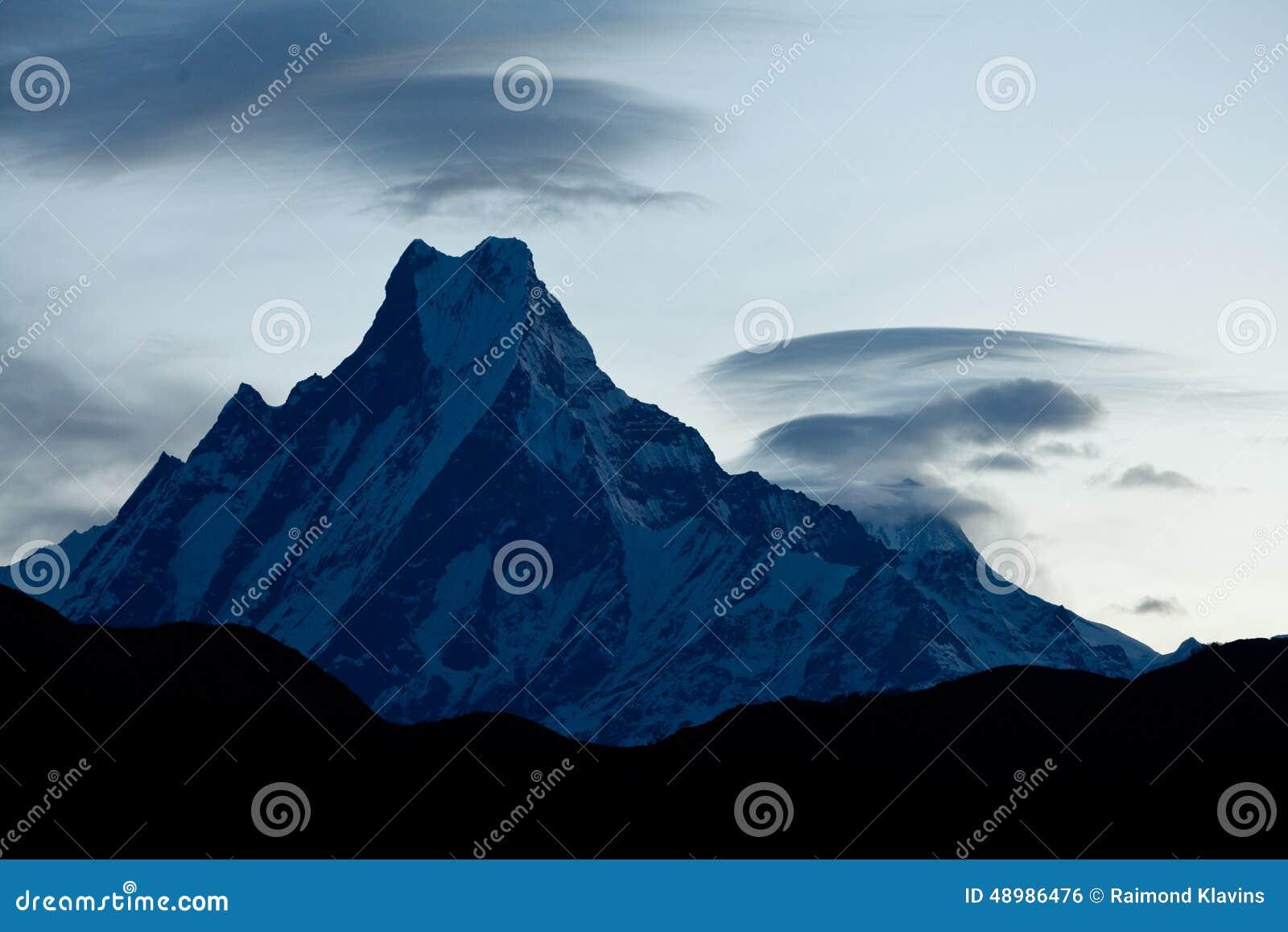 Mount machapuchare or fish tail at sunrise himalaya for Peak fishing times