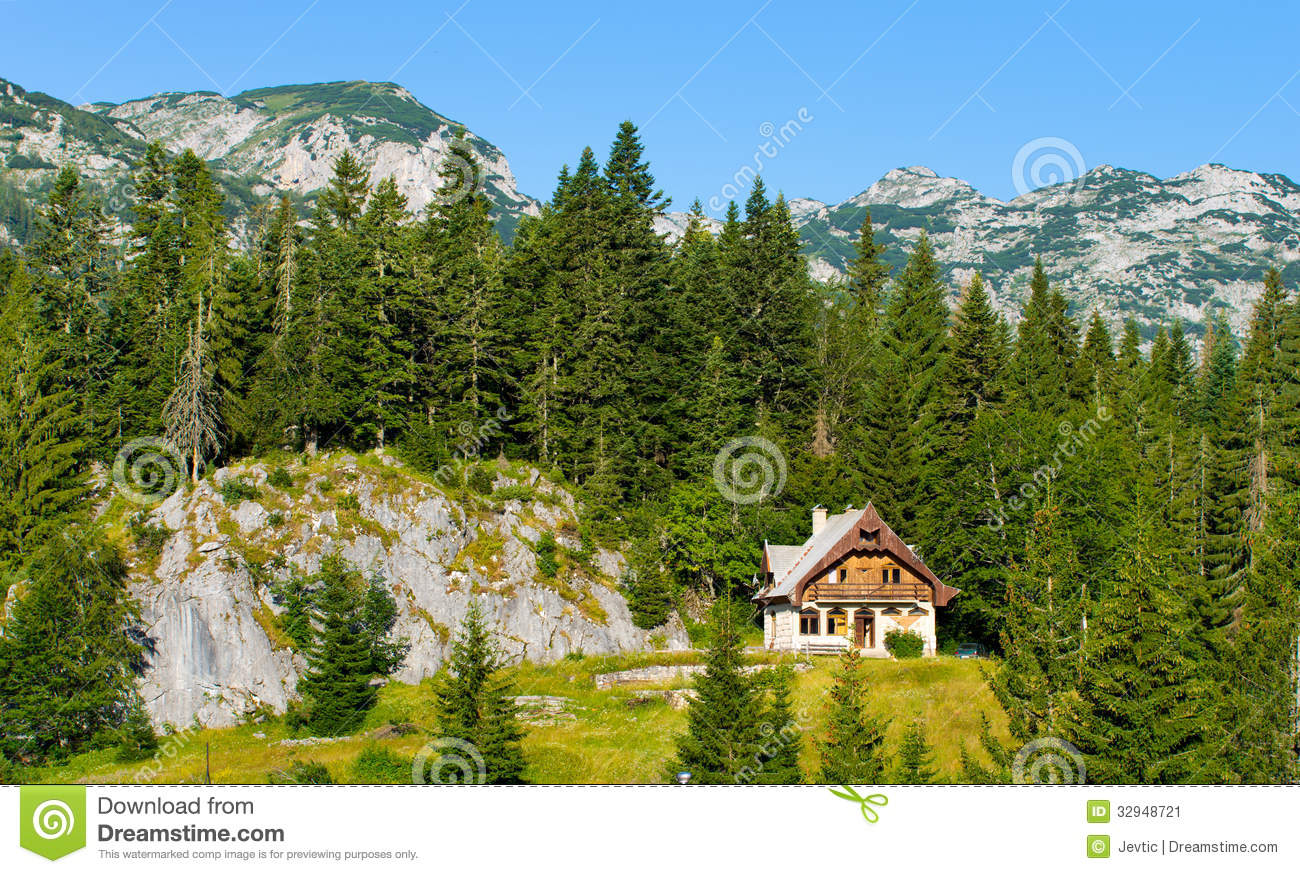 Mountain cottage stock image image 32948721 for Cottage in the mountains