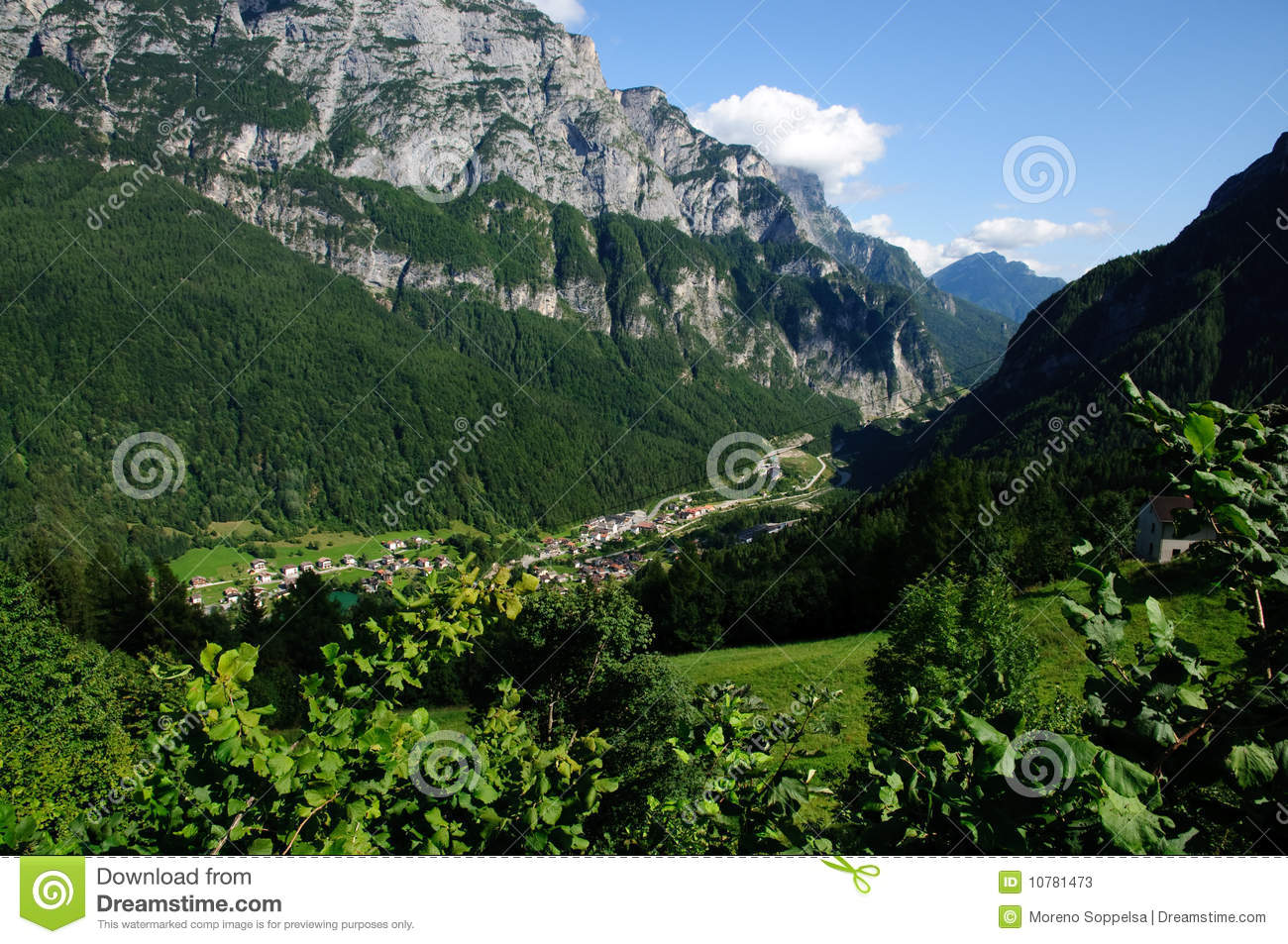 Mountain landscape dolomites stock photos image 10781473 for Best view of dolomites