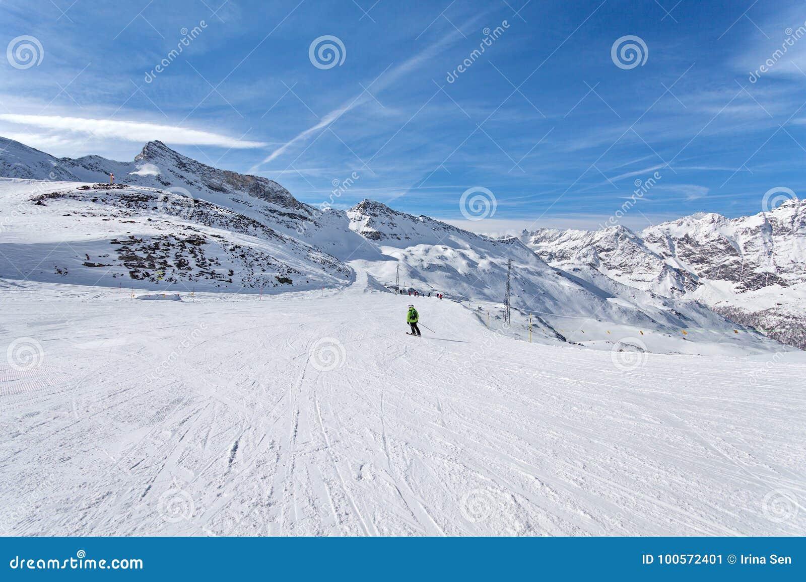 Cervinia Ski Holidays | Book Skiing Holidays in Cervinia