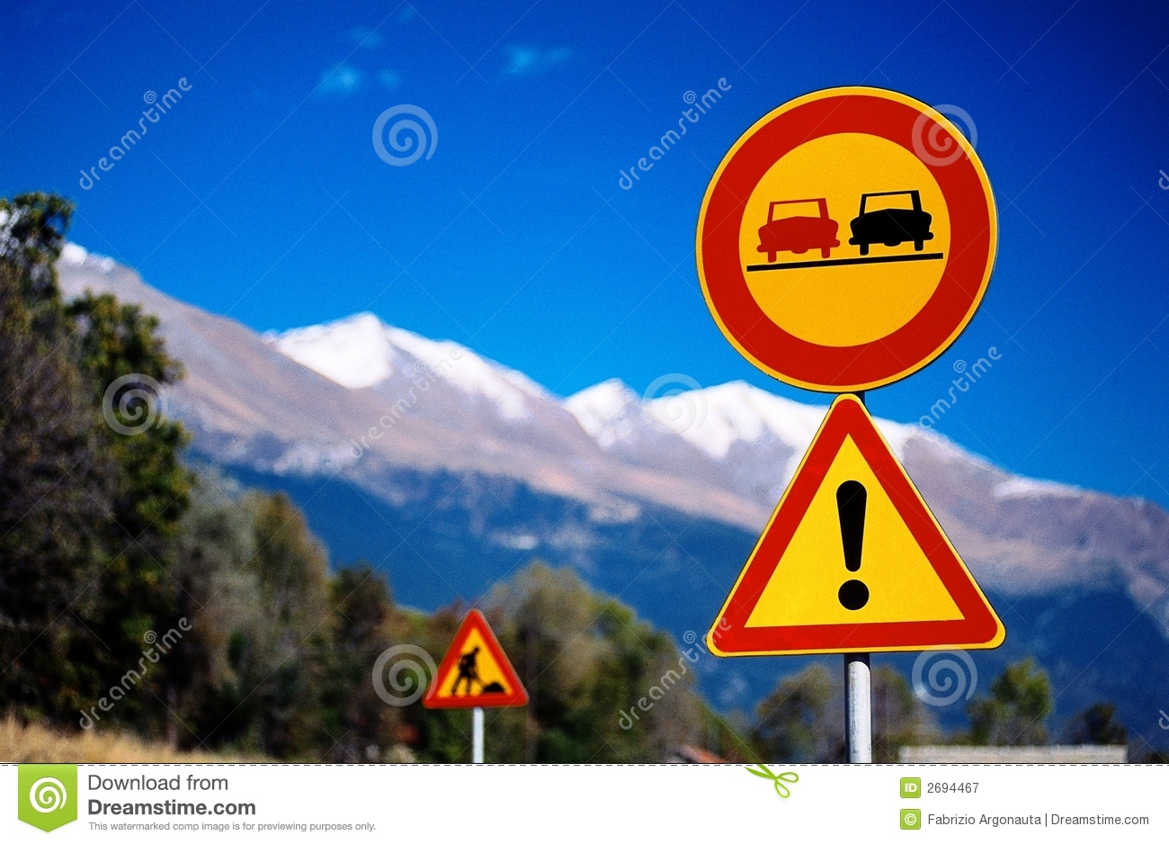 Mountain traffic signs