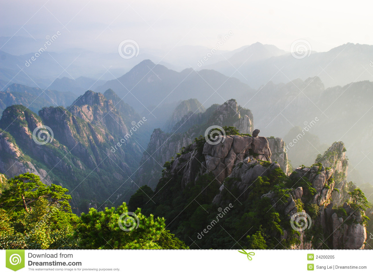 Mountains Huangshan Royalty Free Stock Photo - Image: 24200205