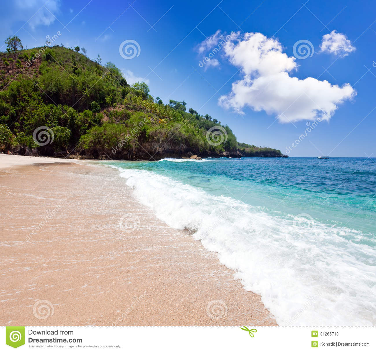 Beautiful Sunny Day At Tropical Beach Royalty Free Stock: Mountains And Ocean. Indonesia. Bali. Stock Image