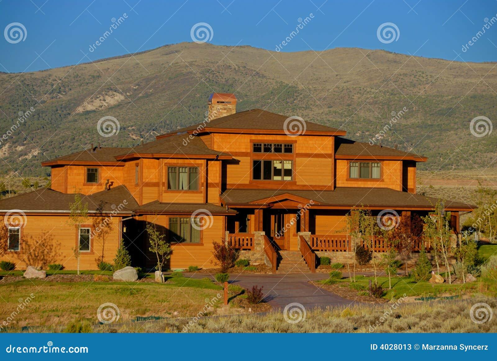 mountainside colorado house stock photos image 4028013