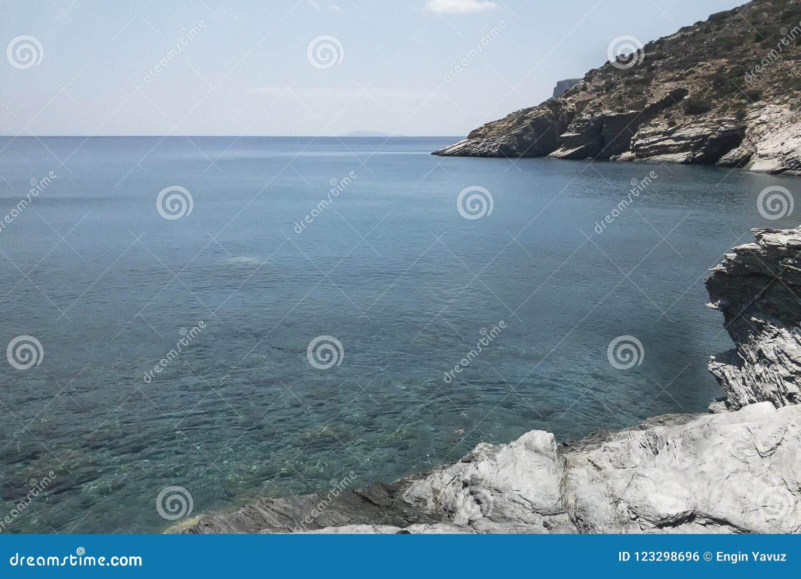 Mouros plaża od dziewiczych plaż Amorgos wyspa, jeden piękny Cyclades wyspy