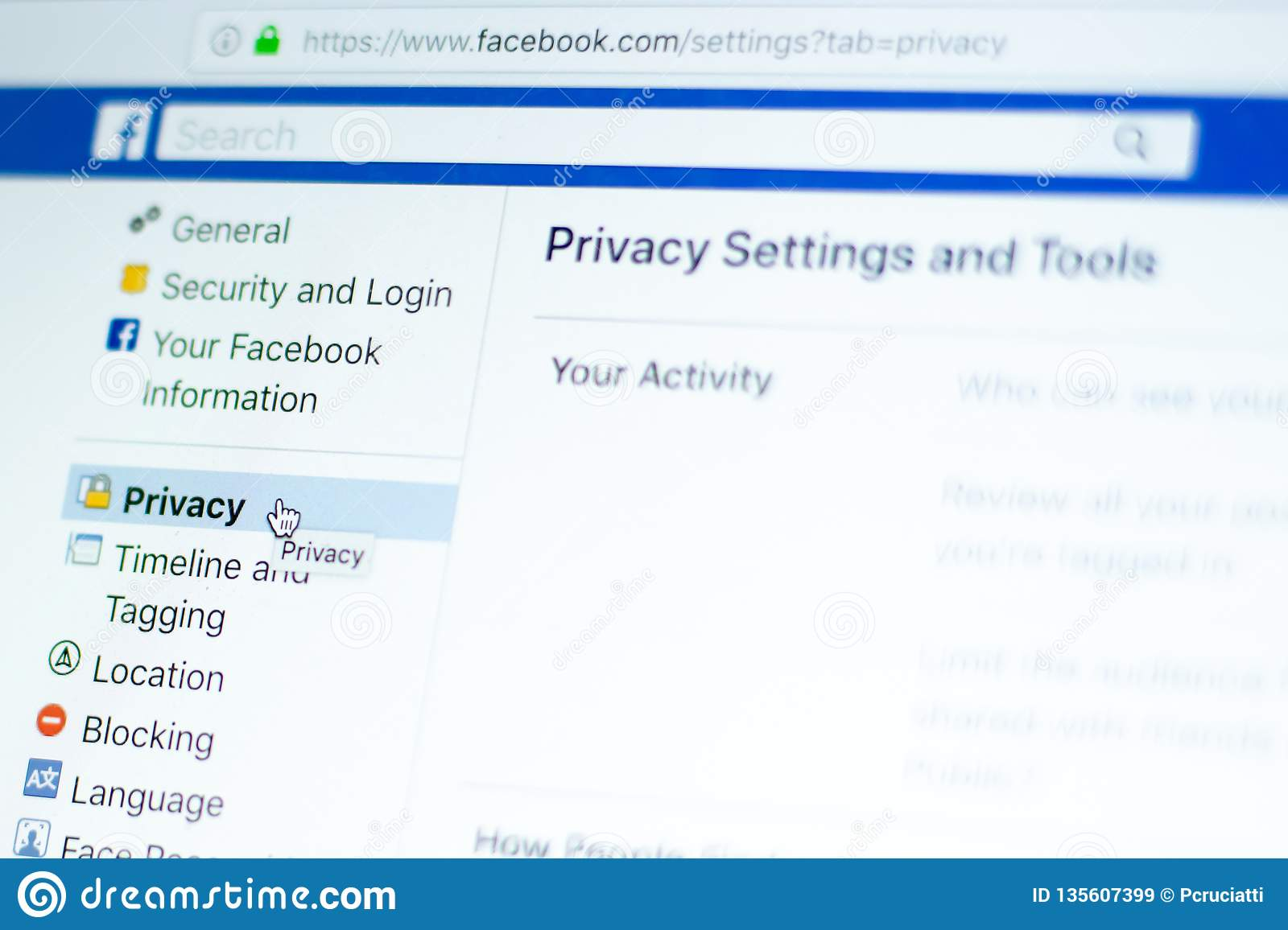 Mouse over Facebook privacy settings