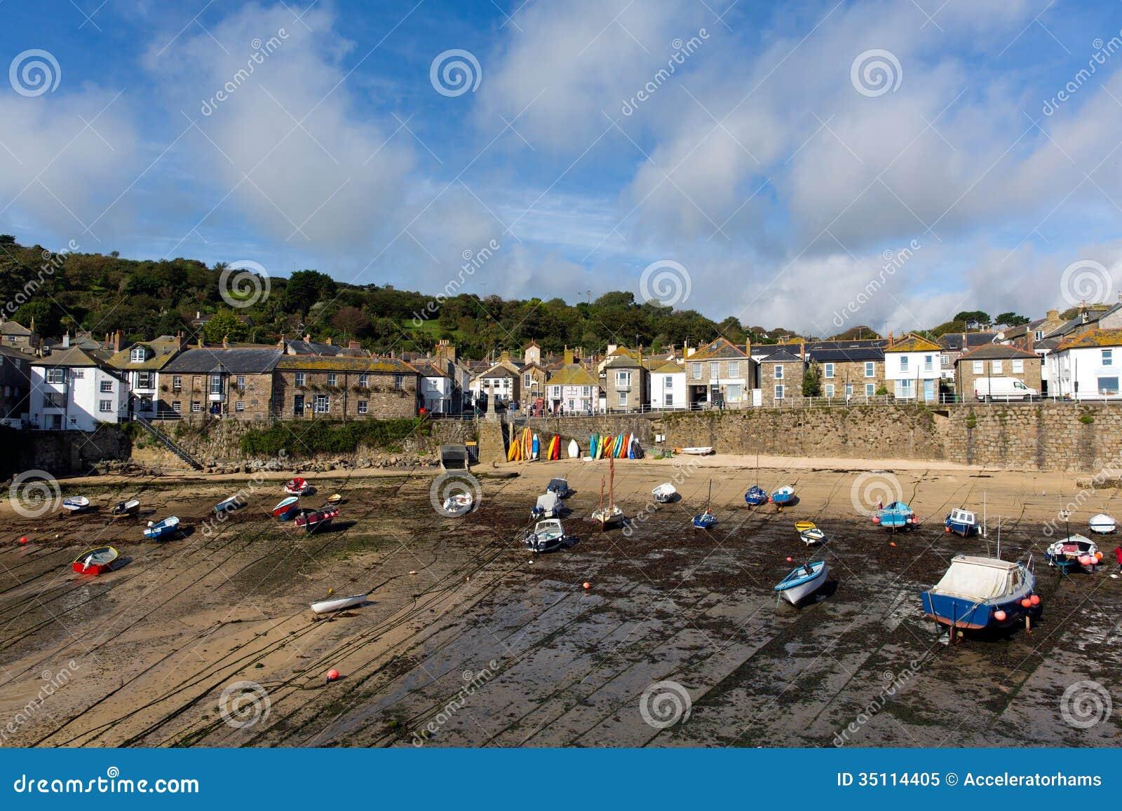 ... UK Cornish Fishing Village Royalty Free Stock Photo - Image: 35114405