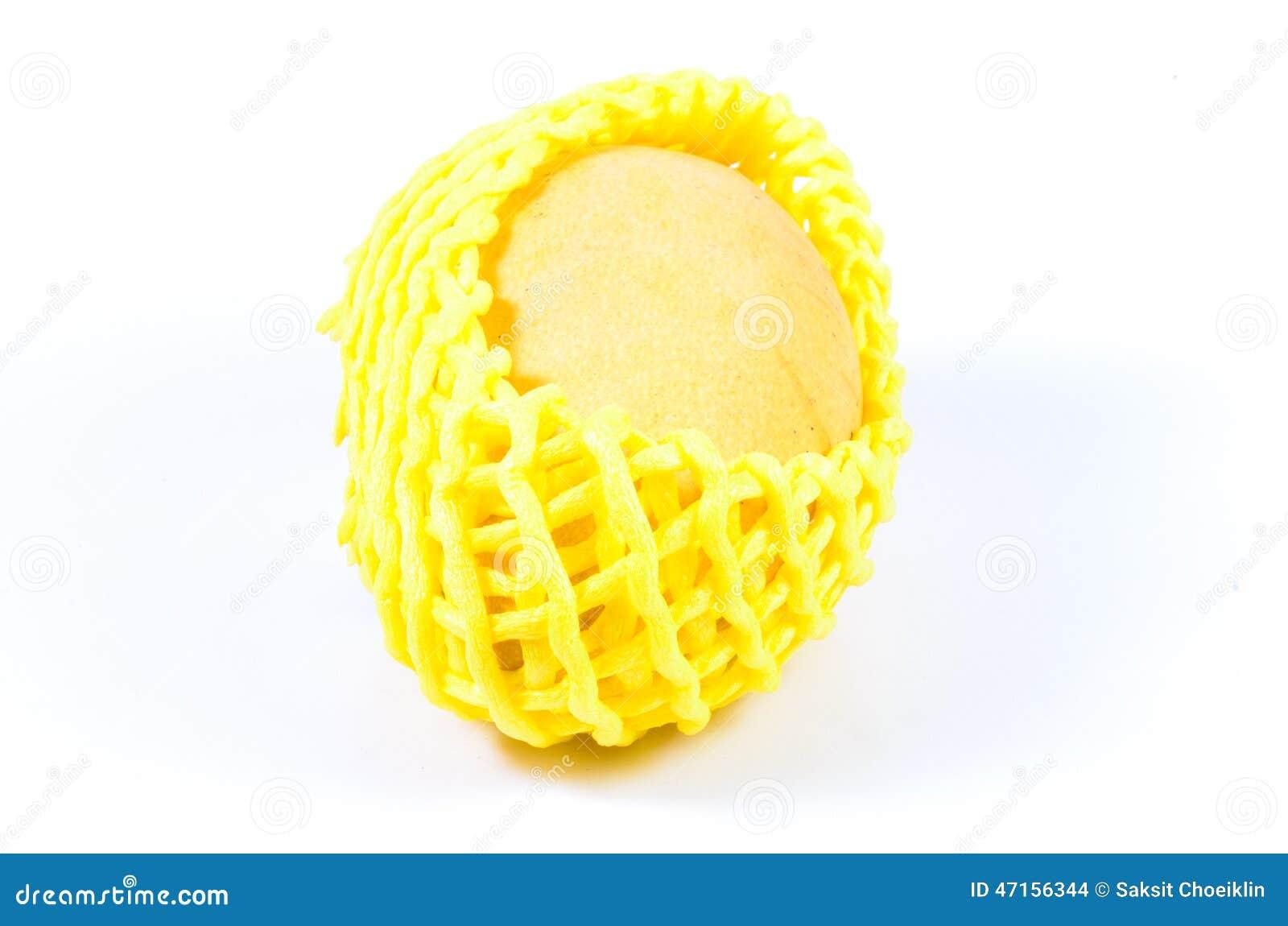 thumbs.dreamstime.com/z/mousse-de-protection-de-fruit-mangue-47156344