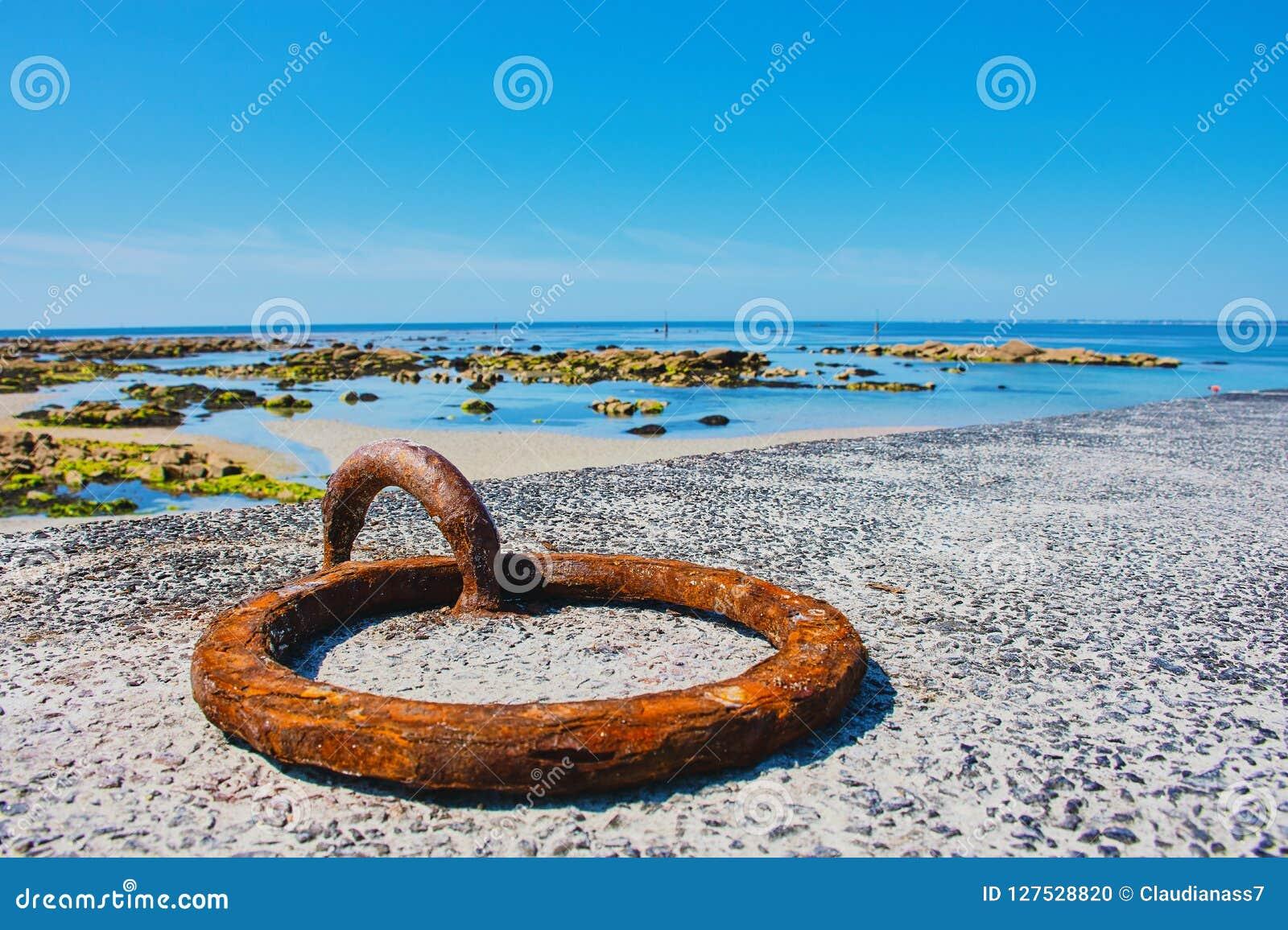 Mousterlin hamn med seascape, Brittany