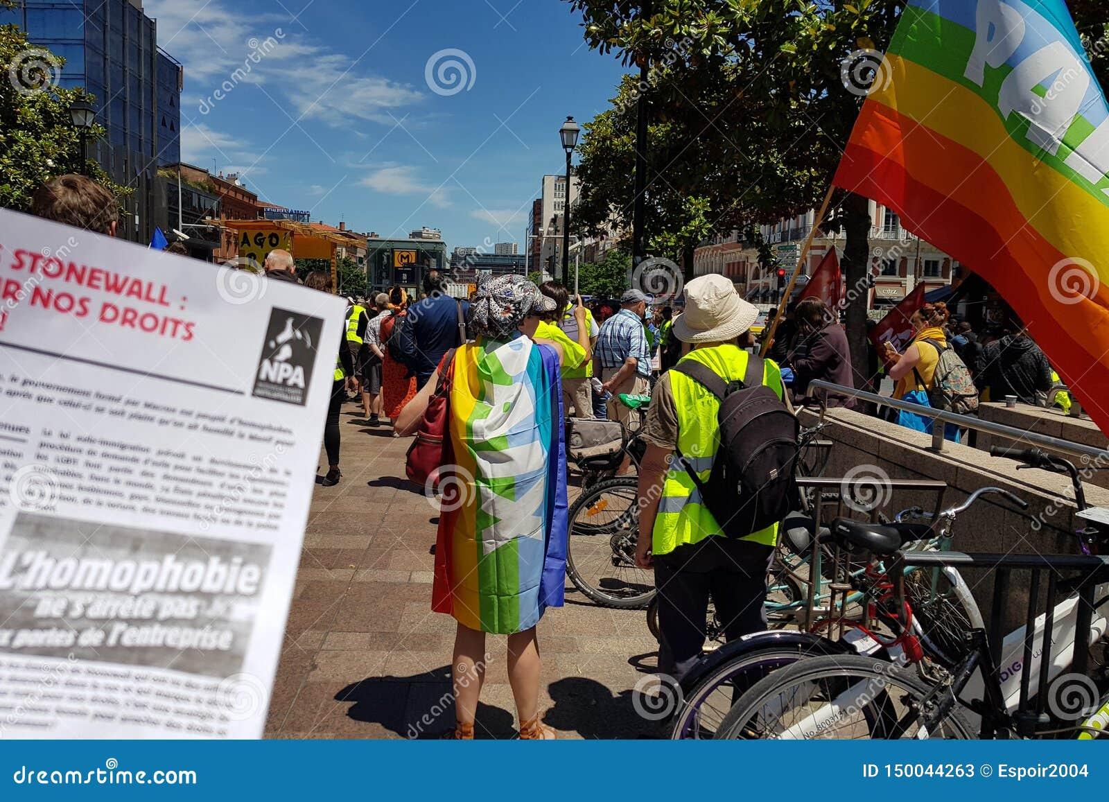 Mouvement do apoio amarelo Pride March das vestes Folheto francês da anti-homofobia