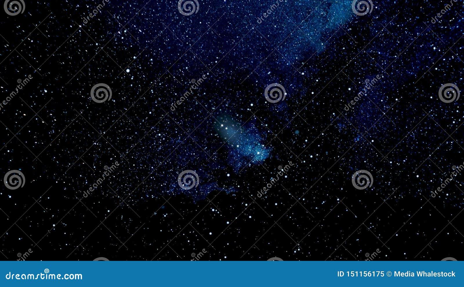 Moviéndose a través del espacio estelar, abstracción hermosa con las estrellas azules del cosmos, concepto del infinito animaci?n