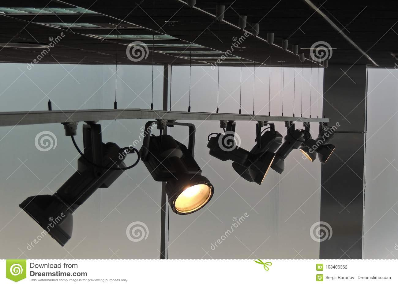 designer fashion 1ae0c 9528b Moving Accent Spotlights On The Rail System Illuminates ...