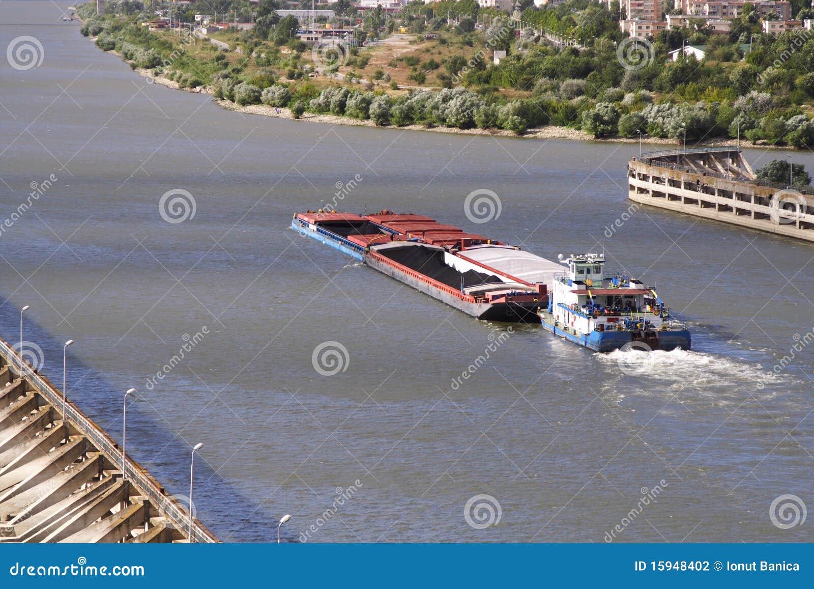 Moving barge