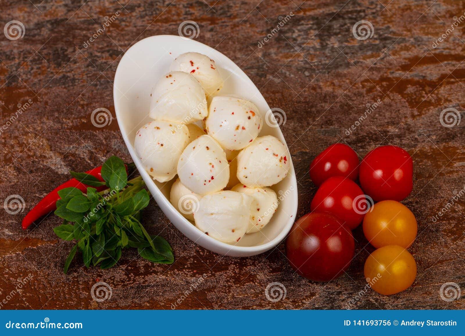 Mozzarellaostbollar