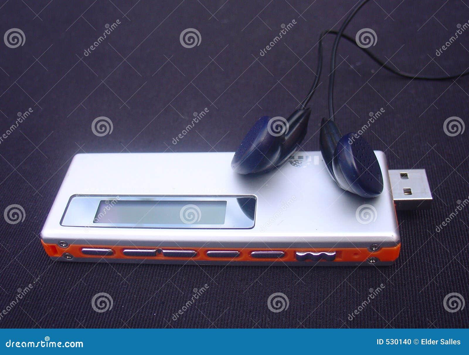 Download MP3播放器 库存照片. 图片 包括有 记录员, 虚拟, 小配件, 声音, 电子, 作用, 显示, 耳机, 乐趣 - 530140