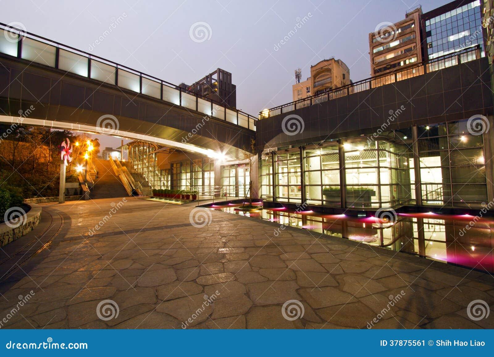 MRT van Taipeh post (Daan Park Station)