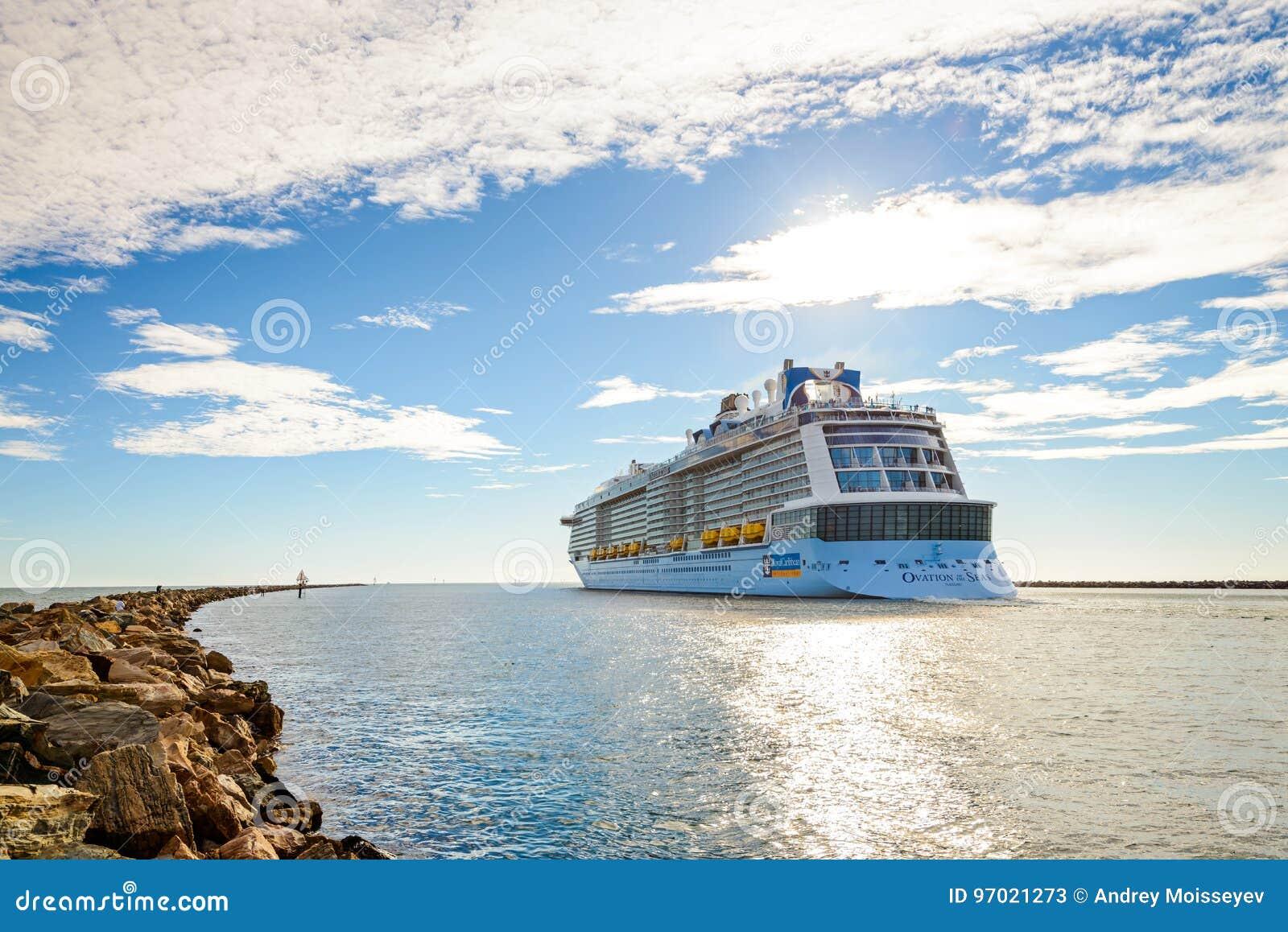 Ms Ovation av havskryssningskeppet