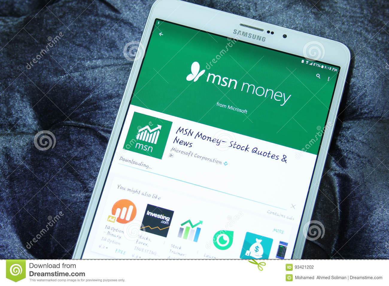 Msn money mobile app editorial photography  Image of play