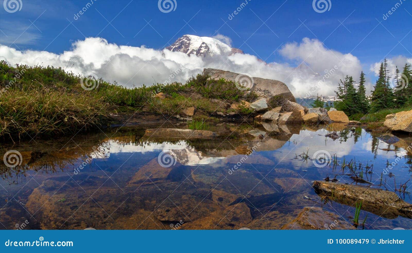 Mt Nenastnyj Shtat Vashington Stokovoe Izobrazhenie Izobrazhenie
