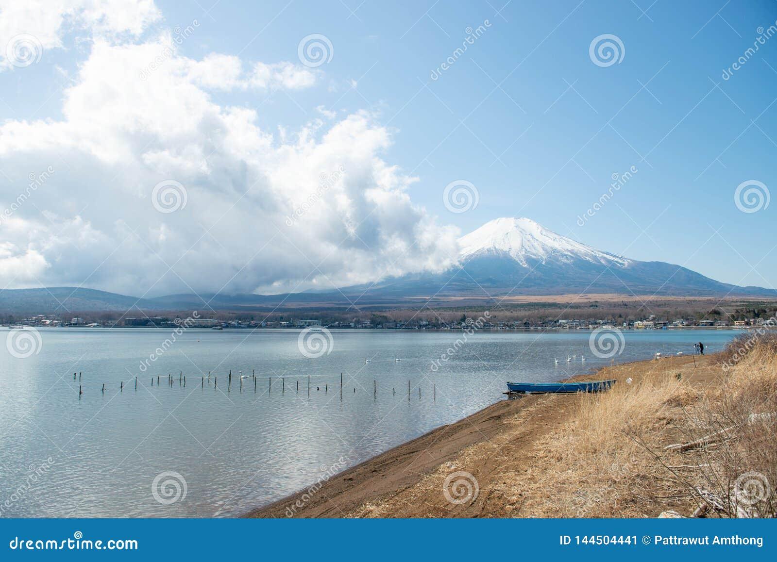MT Fuji en Meer Yamanakako