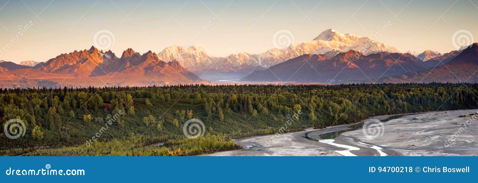 MT McKinley Alaska Noord-Amerika van de Denaliwaaier