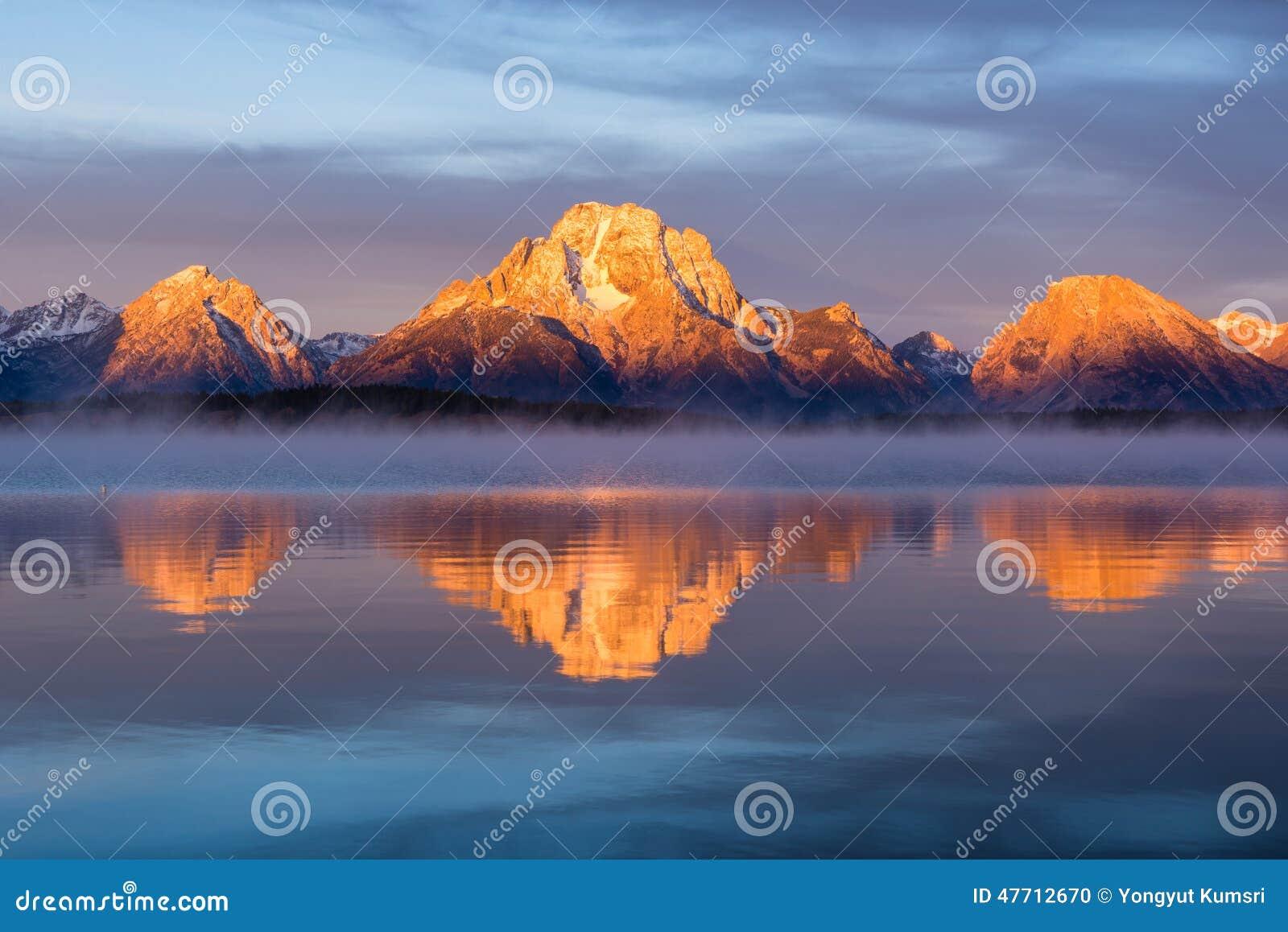 Mt Moran ad alba, Jackson Lake, grande parco nazionale di Teton