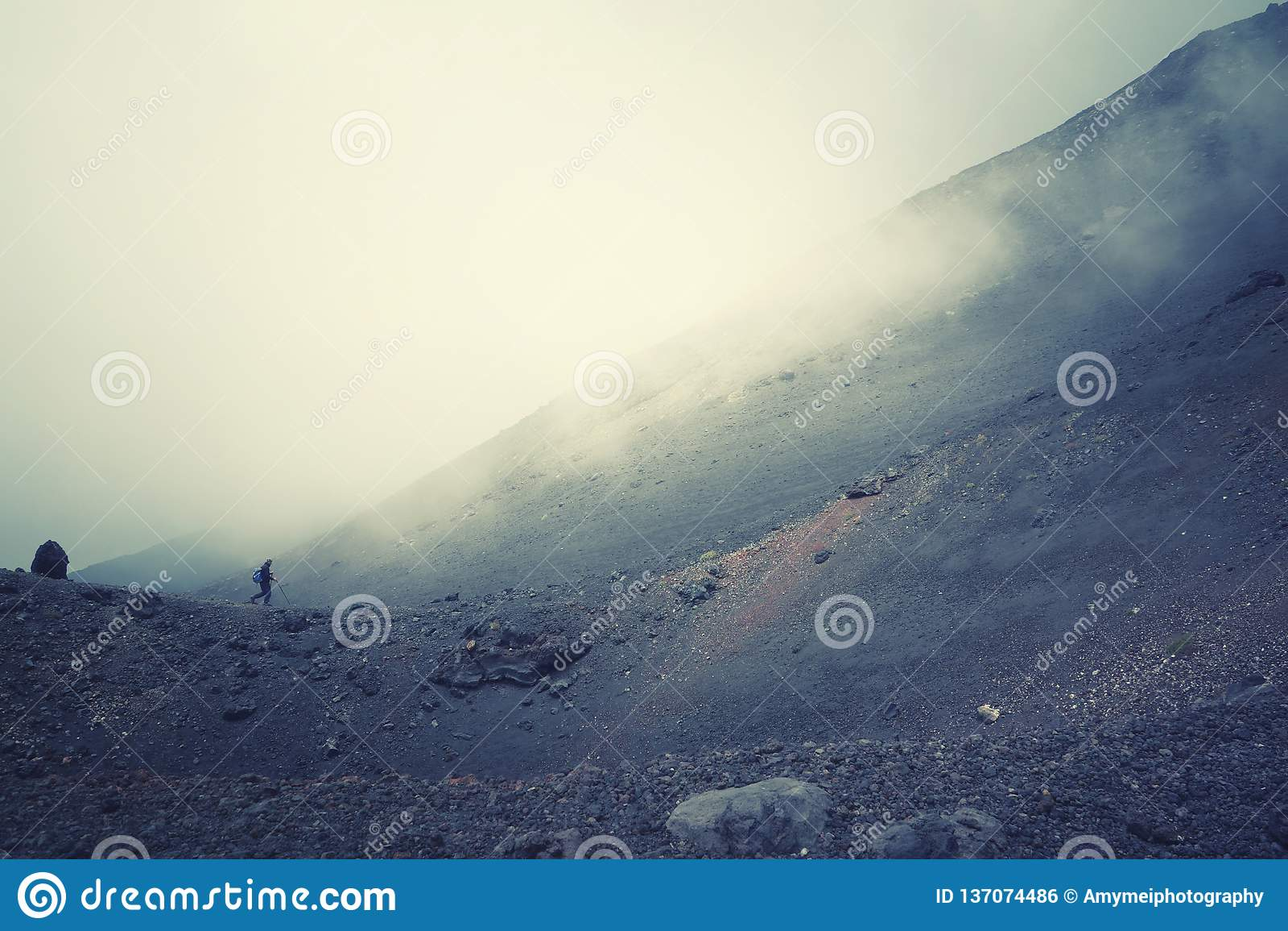 Mt oben wandern Edna in Sizilien, Italien