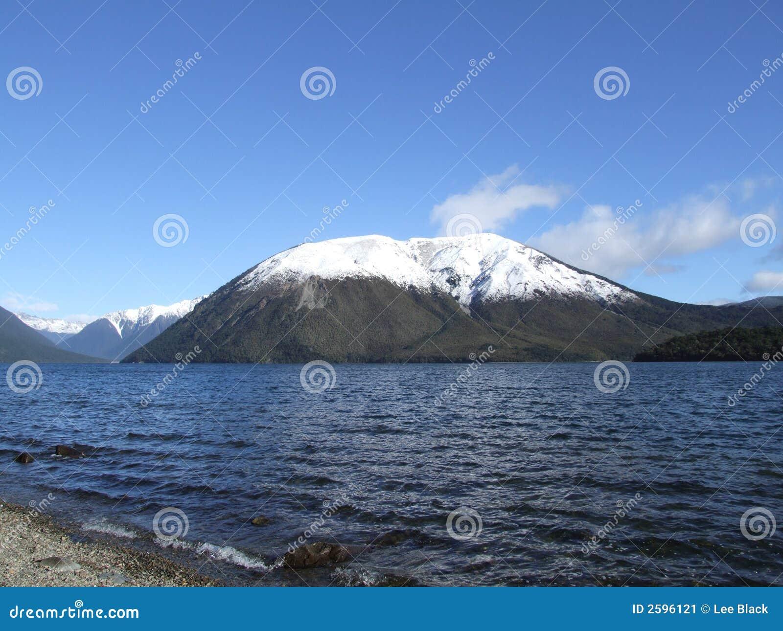 Mt Robert dans la neige