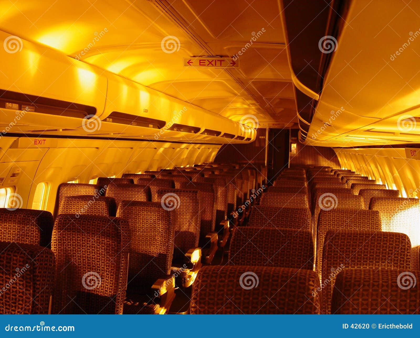 Download Muévase hacia la salida foto de archivo. Imagen de airliner - 42620