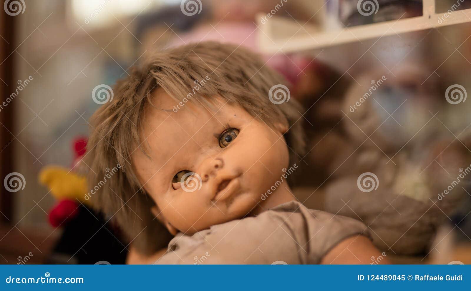 Muñeca tuerta espeluznante